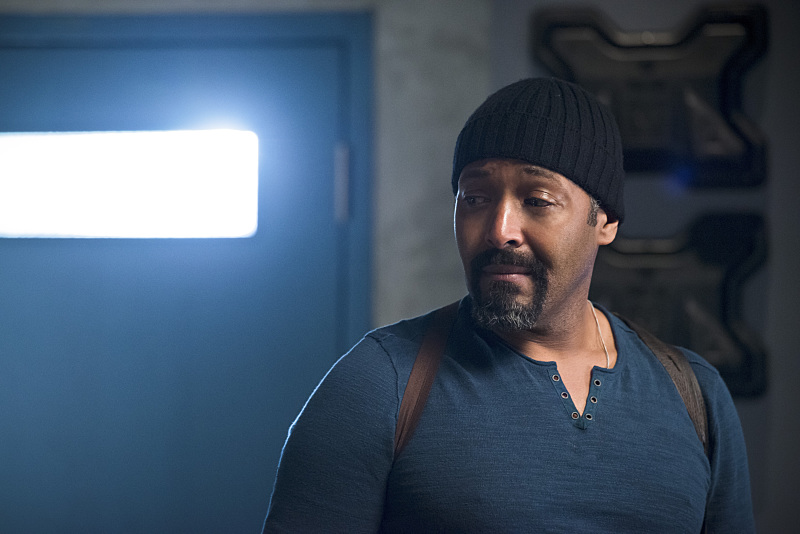 "The Flash -- ""Fast Enough"" -- Image FLA123A_0077b -- Pictured: Jesse L. Martin as Detective Joe West -- Photo: Diyah Pera/The CW -- © 2015 The CW Network, LLC. All rights reserved."
