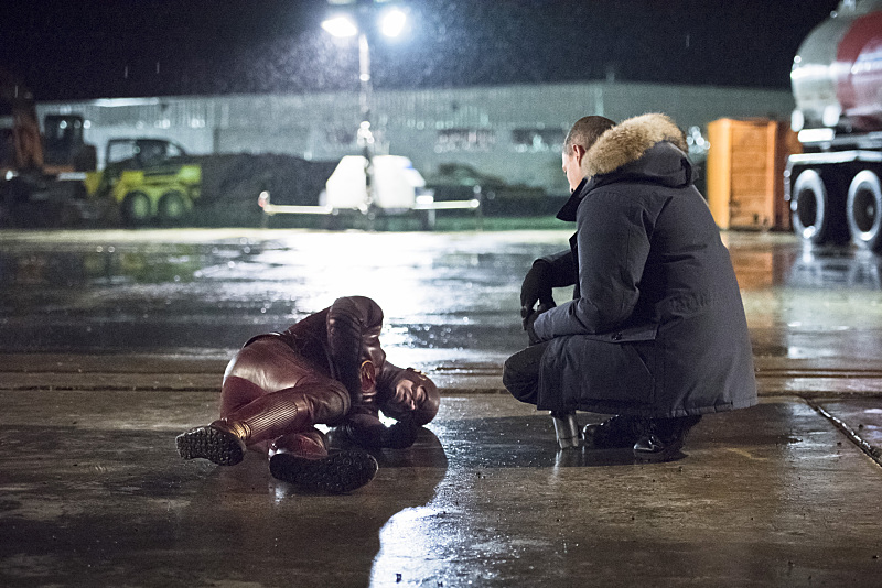 """The Flash -- """"Rogue Air"""" -- Image FLA122A_0179b -- Pictured (L-R): Grant Gustin as Barry Allen / The Flash and Wentworth Miller as Leonard Snart / Captain Cold -- Photo: Dean Buscher/The CW -- © 2015 The CW Network, LLC. All rights reserved."""