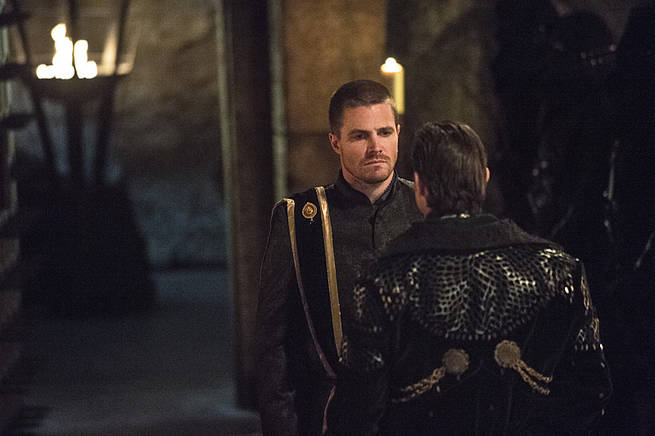 """Arrow -- """"This is Your Sword"""" -- Image AR322A_0238b -- Pictured: Stephen Amell as Oliver Queen -- Photo: Cate Cameron/The CW -- © 2015 The CW Network, LLC. All Rights Reserved."""