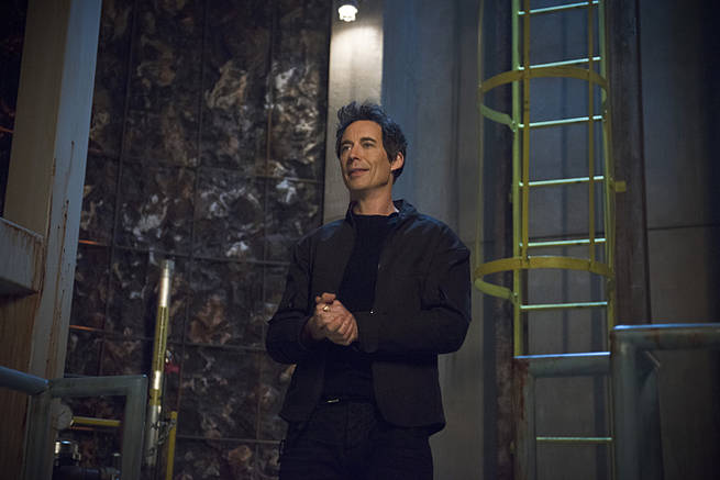 "The Flash -- ""Grodd Lives"" -- Image FLA121B_0148b -- Pictured: Tom Cavanagh as Harrison Wells -- Photo: Cate Cameron/The CW -- © 2015 The CW Network, LLC. All rights reserved."
