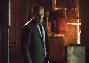 """Arrow -- """"Beyond Redemption"""" -- Image AR405B_0150b.jpg -- Pictured: Paul Blackthorne as Quentin Lance -- Photo: Dean Buscher/ The CW -- © 2015 The CW Network, LLC. All Rights Reserved."""