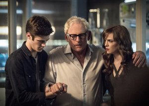 """The Flash -- """"The Fury of Firestorm"""" -- FLA204A_0325b -- Pictured (L-R): Grant Gustin as Barry Allen, Victor Garber as Professor Stein and Danielle Panabaker as Caitlin Snow -- Photo: Cate Cameron /The CW -- © 2015 The CW Network, LLC. All rights reserved."""