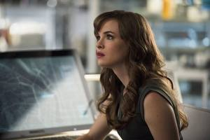 "The Flash -- ""The Fury of Firestorm"" -- FLA204A_0152b -- Pictured: Danielle Panabaker as Caitlin Snow -- Photo: Cate Cameron /The CW -- © 2015 The CW Network, LLC. All rights reserved."
