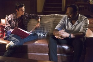 """The Flash -- """"Family of Rogues"""" -- Image FLA203a_0469b.jpg -- Pictured (L-R): Grant Gustin as Barry Allen and Jesse L. Martin as Detective Joe West -- Photo: Jeff Weddell/The CW -- © 2015 The CW Network, LLC. All rights reserved."""