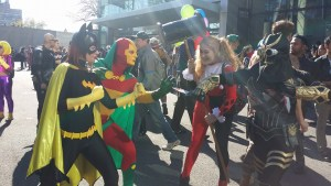 Batgirl & Mister Miracle vs Talon & Harley