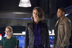 "The Flash -- ""Legends of Today"" -- Image FLA208A_0306b.jpg -- Pictured (L-R): Emily Bett Rickards as Felicity Smoak, Willa Holland as Thea Queen and David Ramsey as John Diggle -- Photo: Diyah Pera/The CW -- © 2015 The CW Network, LLC. All rights reserved."