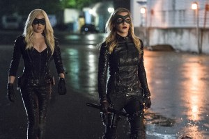 """Arrow -- """"Lost Souls"""" -- Image AR406B_0363b.jpg -- Pictured (L-R): Caity Lotz as Sara Lance and Katie Cassidy as Laurel Lance -- Photo: Cate Cameron/ The CW -- © 2015 The CW Network, LLC. All Rights Reserved."""