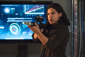 """The Flash -- """"Enter Zoom"""" -- Image FLA206C_0028b.jpg -- Pictured: Carlos Valdes as Cisco Ramon -- Photo: Cate Cameron/The CW -- © 2015 The CW Network, LLC. All rights reserved."""
