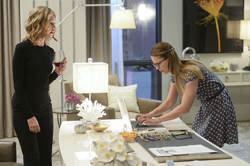 """Livewire"" -- When an accident transforms a volatile CatCo employee into the villainous Livewire, she targets Cat (Calista Flockhart, left) and Supergirl (Melissa Benoist, right), on SUPERGIRL, Monday, Nov. 23 (8:00-9:00 PM, ET/PT) on the CBS Television Network. Photo: Darren Michaels/Warner Bros. Entertainment Inc. © 2015 WBEI. All rights reserved."
