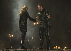 """Arrow -- """"Haunted"""" -- Image AR404B_0406b.jpg -- Pictured (L-R): Katie Cassidy as Black Canary and Stephen Amell as The Arrow -- Photo: Cate Cameron/ The CW -- © 2015 The CW Network, LLC. All Rights Reserved."""