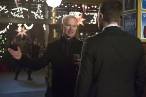 """Arrow -- """"Dark Waters"""" -- Image AR409B_0320b.jpg -- Pictured (L-R): Neal McDonough as Damien Darhk and Stephen Amell as Oliver Queen -- Photo: Diyah Pera/ The CW -- © 2015 The CW Network, LLC. All Rights Reserved."""