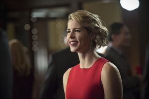 "Arrow -- ""Dark Waters"" -- Image AR409B_0208b.jpg -- Pictured: Emily Bett Rickards as Felicity Smoak -- Photo: Diyah Pera/ The CW -- © 2015 The CW Network, LLC. All Rights Reserved."