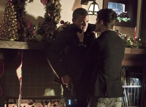 """The Flash -- """"Running to Stand Still"""" -- Image FLA209b_0014b.jpg -- Pictured (L-R): Wentworth Miller as Leonard Snart and Grant Gustin as Barry Allen -- Photo: Katie Yu/The CW -- © 2015 The CW Network, LLC. All rights reserved."""