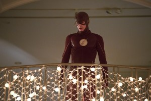 """The Flash -- """"Potential Energy"""" -- Image FLA210b_0205b -- Pictured: Grant Gustin as The Flash -- Photo: Katie Yu/The CW -- © 2016 The CW Network, LLC. All rights reserved."""