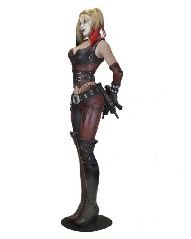 Arkham-City-Harley-Life-Size-NECA-003