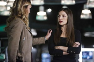 """Arrow -- """"Taken"""" -- Image AR415b_0180b.jpg -- Pictured (L-R): Katie Cassidy as Laurel Lance/Black Canary and Anna Hopkins as Samantha -- Photo: Bettina Strauss/ The CW -- © 2016 The CW Network, LLC. All Rights Reserved."""