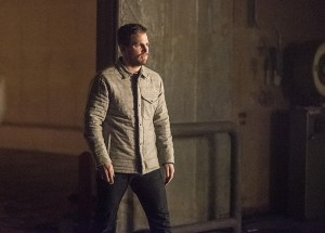 """Arrow -- """"Sins of the Father"""" -- Image AR413b_0522b.jpg -- Pictured: Stephen Amell as Oliver Queen -- Photo: Dean Buscher/ The CW -- © 2016 The CW Network, LLC. All Rights Reserved."""