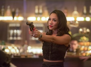 "The Flash -- ""Welcome to Earth-2"" -- Image FLA213b_0379b -- Pictured: Candice Patton as Earth 2 Iris West -- Photo: Diyah Pera/The CW -- © 2016 The CW Network, LLC. All rights reserved"