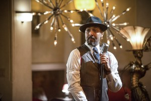 "The Flash -- ""Welcome to Earth-2"" -- Image FLA213b_0341b -- Pictured: Jesse L. Martin as Earth 2 Joe West -- Photo: Diyah Pera/The CW -- © 2016 The CW Network, LLC. All rights reserved."