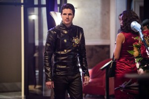 "The Flash -- ""Welcome to Earth-2"" -- Image FLA213b_0179b -- Pictured: Robbie Amell as Death Storm -- Photo: Diyah Pera/The CW -- © 2016 The CW Network, LLC. All rights reserved."