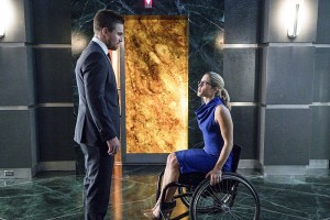 "Arrow -- ""Unchained"" -- Image AR412B_0486b.jpg -- Pictured (L-R): Stephen Amell as Oliver Queen and Emily Bett Rickards as Felicity Smoak -- Photo: Liane Hentscher/ The CW -- © 2016 The CW Network, LLC. All Rights Reserved."