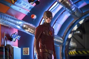 """The Flash -- """"Flash Back"""" -- Image: FLA217b_0300b.jpg -- Pictured: Grant Gustin as The Flash -- Photo: Diyah Pera/The CW -- © 2016 The CW Network, LLC. All rights reserved."""