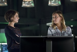 "Arrow -- ""Eleven-Fifty-Nine"" -- Image AR418b_0052b.jpg -- Pictured (L-R): Willa Holland as Thea Queen and Katie Cassidy as Laurel Lance -- Photo: Diyah Pera/The CW -- © 2016 The CW Network, LLC. All Rights Reserved."