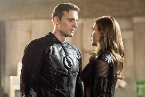 """The Flash -- """"Invincible"""" -- Image: FLA222b_0018b.jpg -- Pictured (L-R): Teddy Sears as Jay Garrick and Katie Cassidy as Black Siren -- Photo: Dean Buscher/The CW -- © 2016 The CW Network, LLC. All rights reserved."""