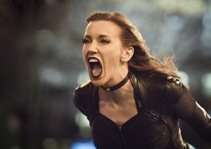 """The Flash -- """"Invincible"""" -- Image: FLA222a_0538b2.jpg -- Pictured: Katie Cassidy as Black Siren -- Photo: Dean Buscher/The CW -- © 2016 The CW Network, LLC. All rights reserved."""
