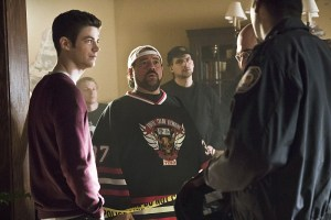 "The Flash -- "" The Runaway Dinosaur"" -- Image: FLA221a_bts_0300b.jpg -- Pictured (L-R): Behind the scenes with Grant Gustin as Barry Allen and Kevin Smith -- Photo: Katie Yu/The CW -- © 2016 The CW Network, LLC. All rights reserved."