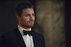 "Arrow -- ""Genesis"" -- Image AR420b_0133b.jpg -- Pictured: Stephen Amell as Oliver Queen -- Photo: Diyah Pera/The CW -- © 2016 The CW Network, LLC. All Rights Reserved."