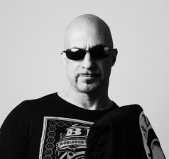 Greg Capullo.headshot 2016 (1)