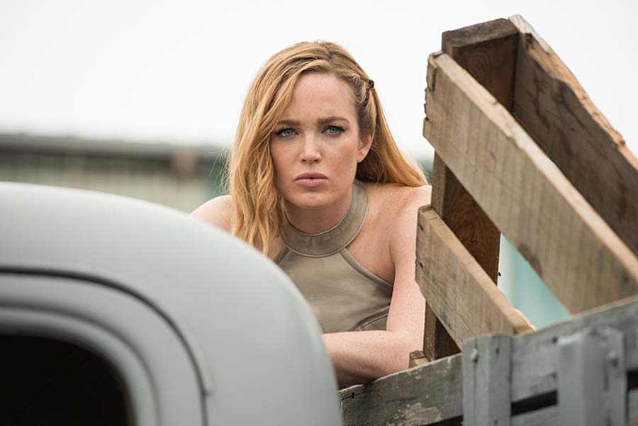 "DC's Legends of Tomorrow --""Out Of Time"" -- Image LGN201A_0030.jpg Pictured: Caity Lotz as Sara Lance/White Canary -- Photo: Diyah Pera/The CW -- Ì?å© 2016 The CW Network, LLC. All Rights Reserved."