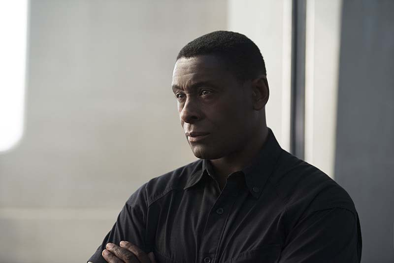 "Supergirl -- ""Welcome to Earth"" -- Image SPG203c_0235 -- Pictured: David Harewood as Hank Henshaw -- Photo: Diyah Pera/The CW -- Ì?å© 2016 The CW Network, LLC. All Rights Reserved"