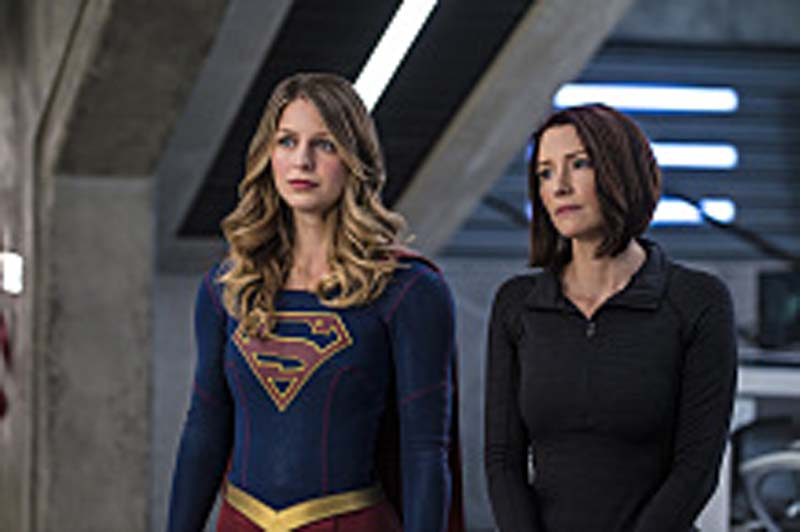 "Supergirl -- ""Welcome to Earth"" -- Image SPG203c_0144 -- Pictured (L-R): Melissa Benoist as Kara/Supergirl and Chyler Leigh as Alex Danvers -- Photo: Diyah Pera/The CW -- Ì?å© 2016 The CW Network, LLC. All Rights Reserved"
