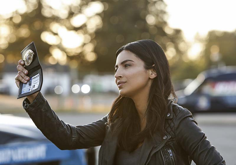 "Supergirl -- ""Welcome to Earth"" -- Image SPG203b_0202 -- Pictured: Floriana Lima as Maggie Sawyer -- Photo: Bettina Strauss/The CW -- Ì?å© 2016 The CW Network, LLC. All Rights Reserved"