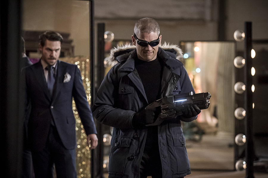 """The Flash -- """"The New Rouges"""" -- Image FLA304b_0141b.jpg -- Pictured (L-R): Grey Damon as Sam Scudder and Wentworth Miller as Leonard Snart/Captain Cold -- Photo: Katie Yu/The CW -- © 2016 The CW Network, LLC. All rights reserved."""