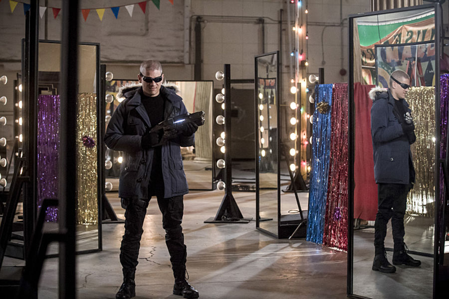 """The Flash -- """"The New Rouges"""" -- Image FLA304b_0147b.jpg -- Pictured: Wentworth Miller as Leonard Snart/Captain Cold -- Photo: Katie Yu/The CW -- © 2016 The CW Network, LLC. All rights reserved."""