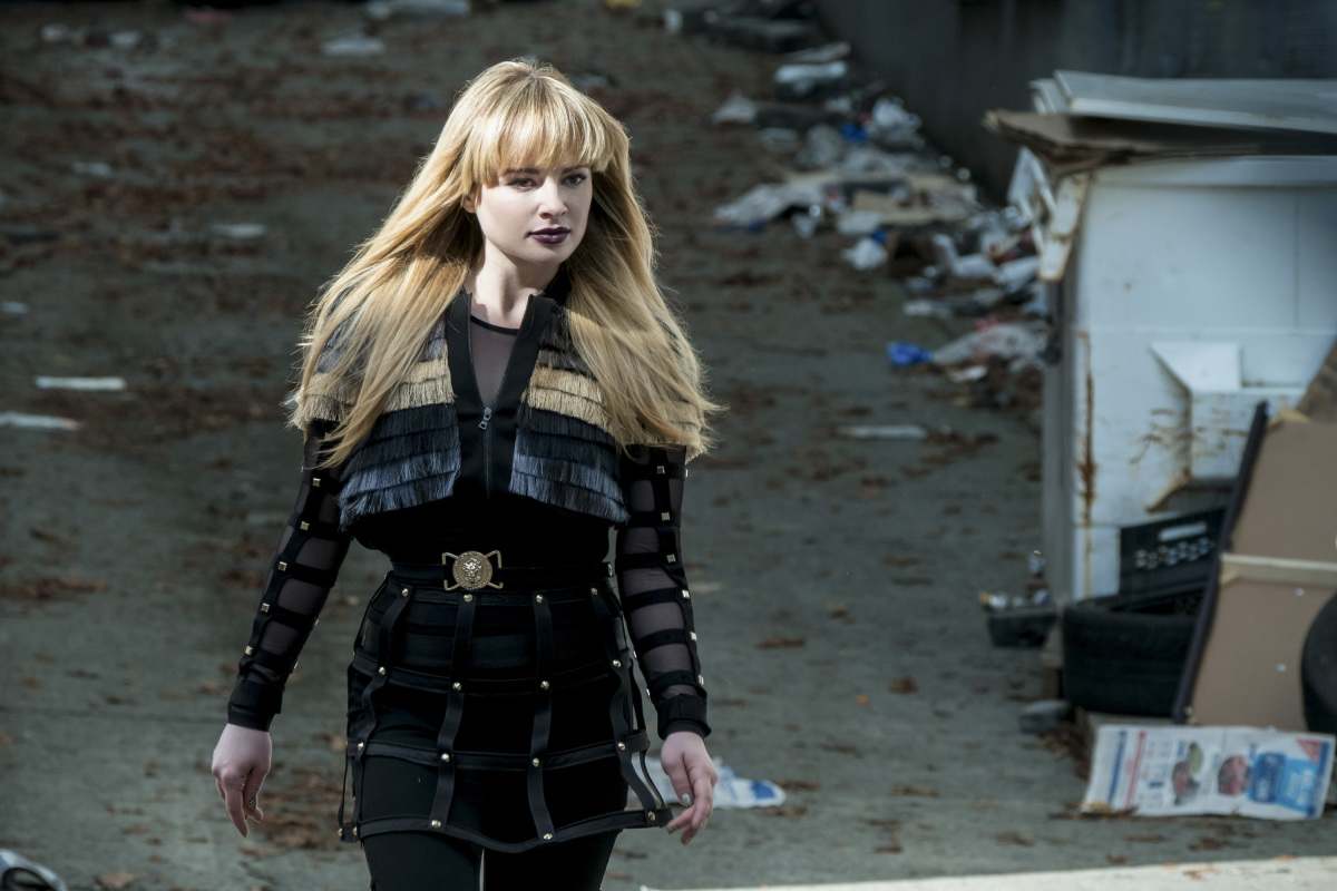 """The Flash -- """"The Once and Future Flash"""" -- FLA319a_0027b.jpg -- Pictured: Ashley Rickards as Rosalind Rosa Dillion -- Photo: Katie Yu/The CW -- © 2017 The CW Network, LLC. All rights reserved."""