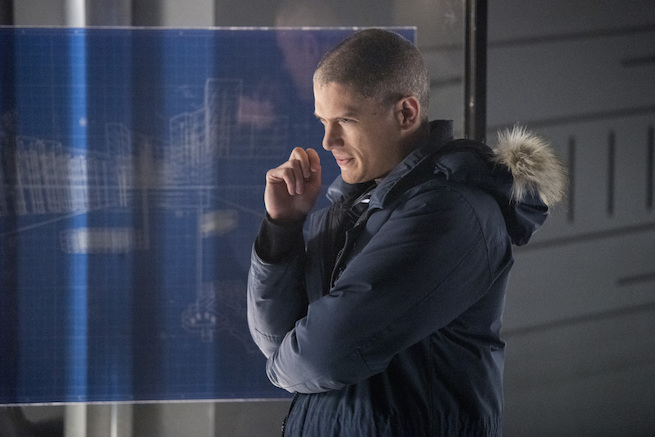 """The Flash -- """"Infantino Street"""" -- FLA322a_0315b.jpg -- Pictured: Wentworth Miller as Leonard Snart/Captain Cold-- Photo: Dean Buscher /The CW -- © 2017 The CW Network, LLC. All rights reserved."""