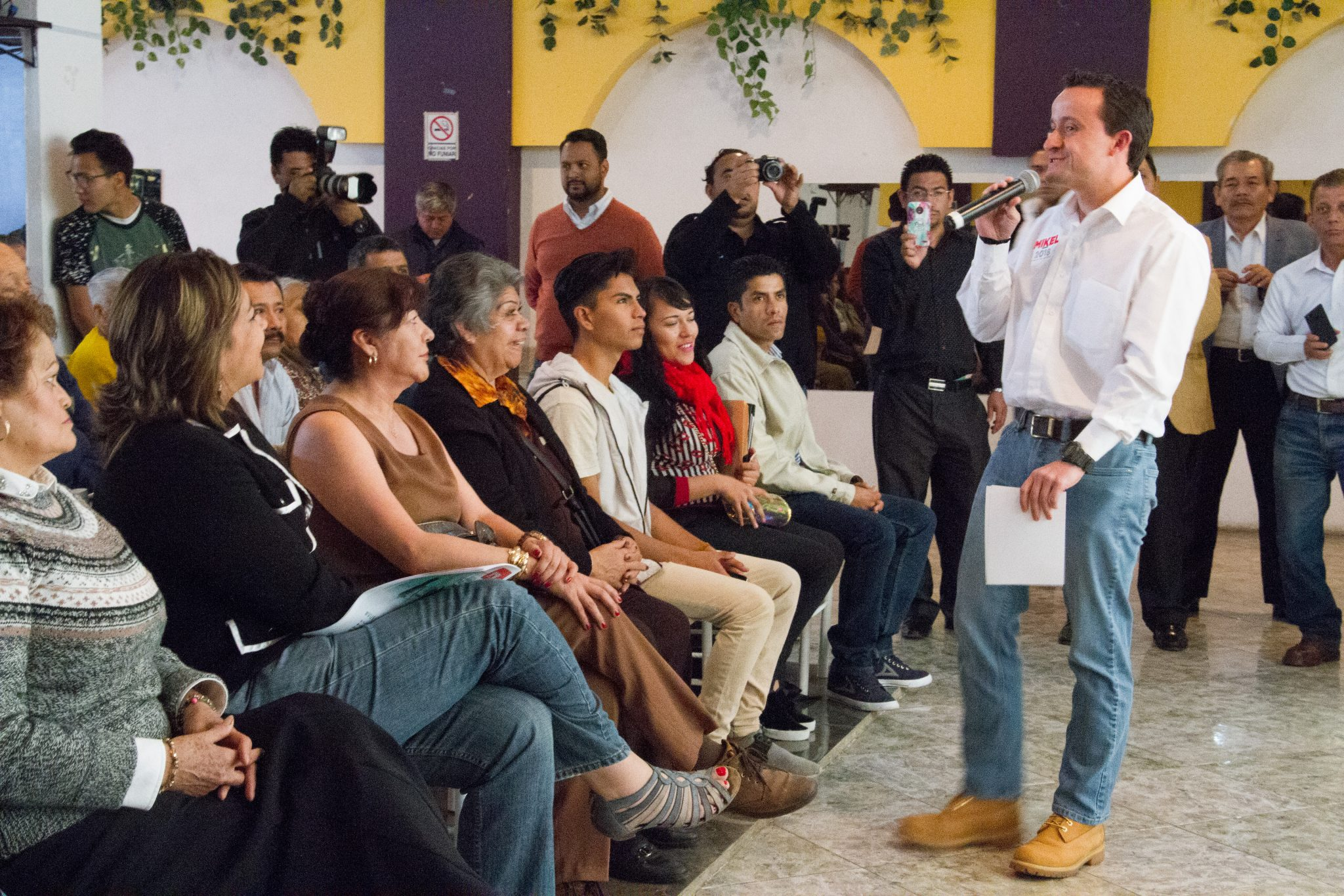 Mikel Arriola someterá a consulta pública los matrimonios igualitarios