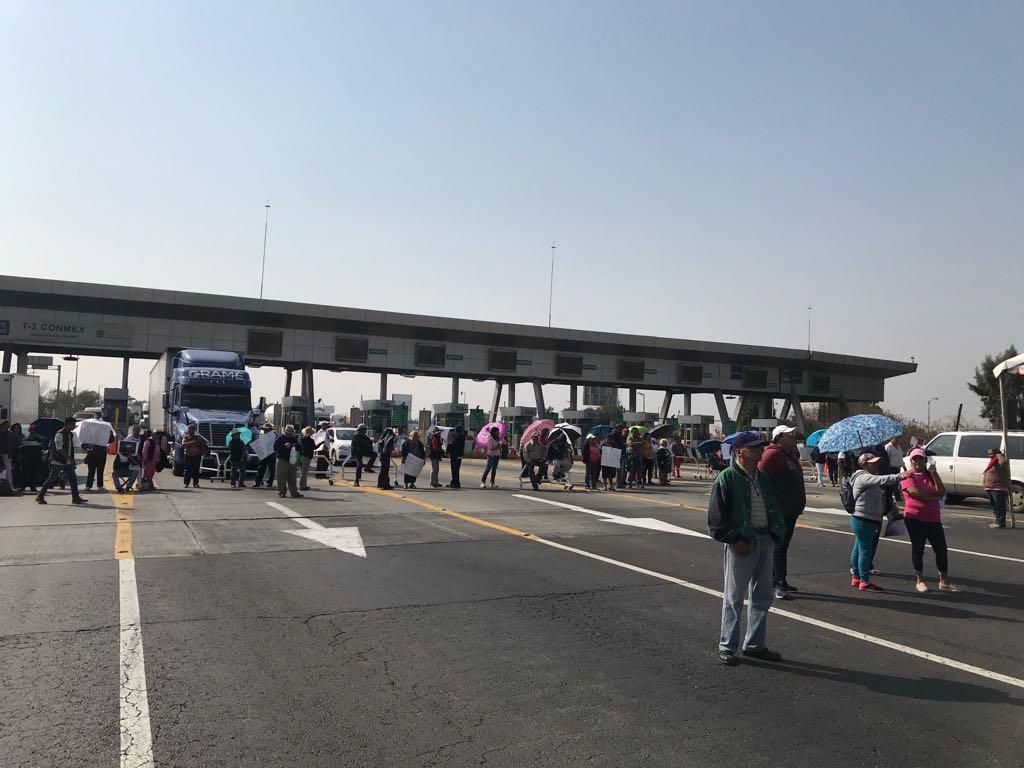 Bloquean Circuito Exterior Mexiquense