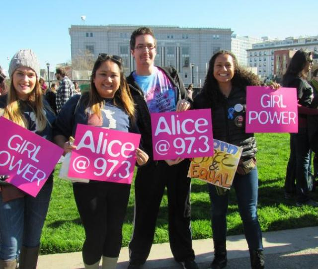 Alice Entourage At The  Womens March