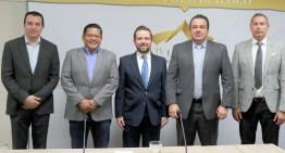 """Se reúnen legisladores con Directivos del Club """"Abejas de León"""""""