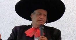 Reflexión Dominical del Padre Pistolas, CRISTO NOS SALVA, NO BAJANDO DE LA CRUZ