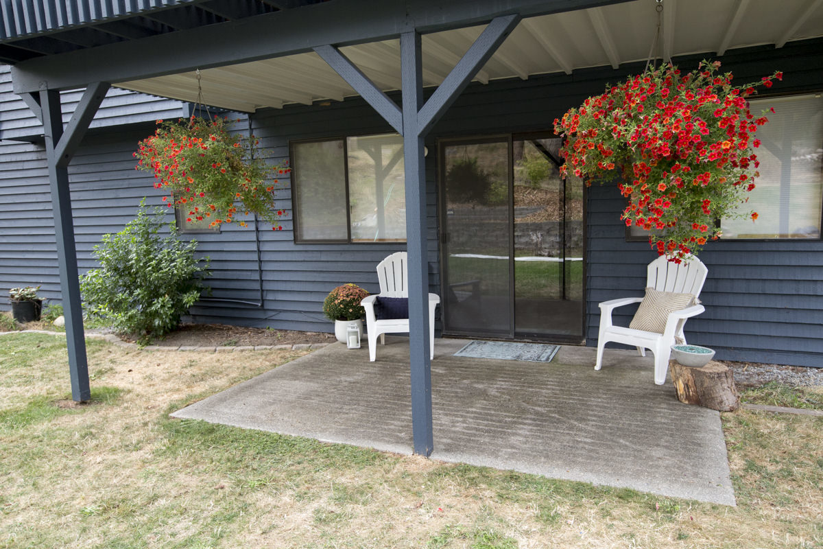 how to create a deck dry space