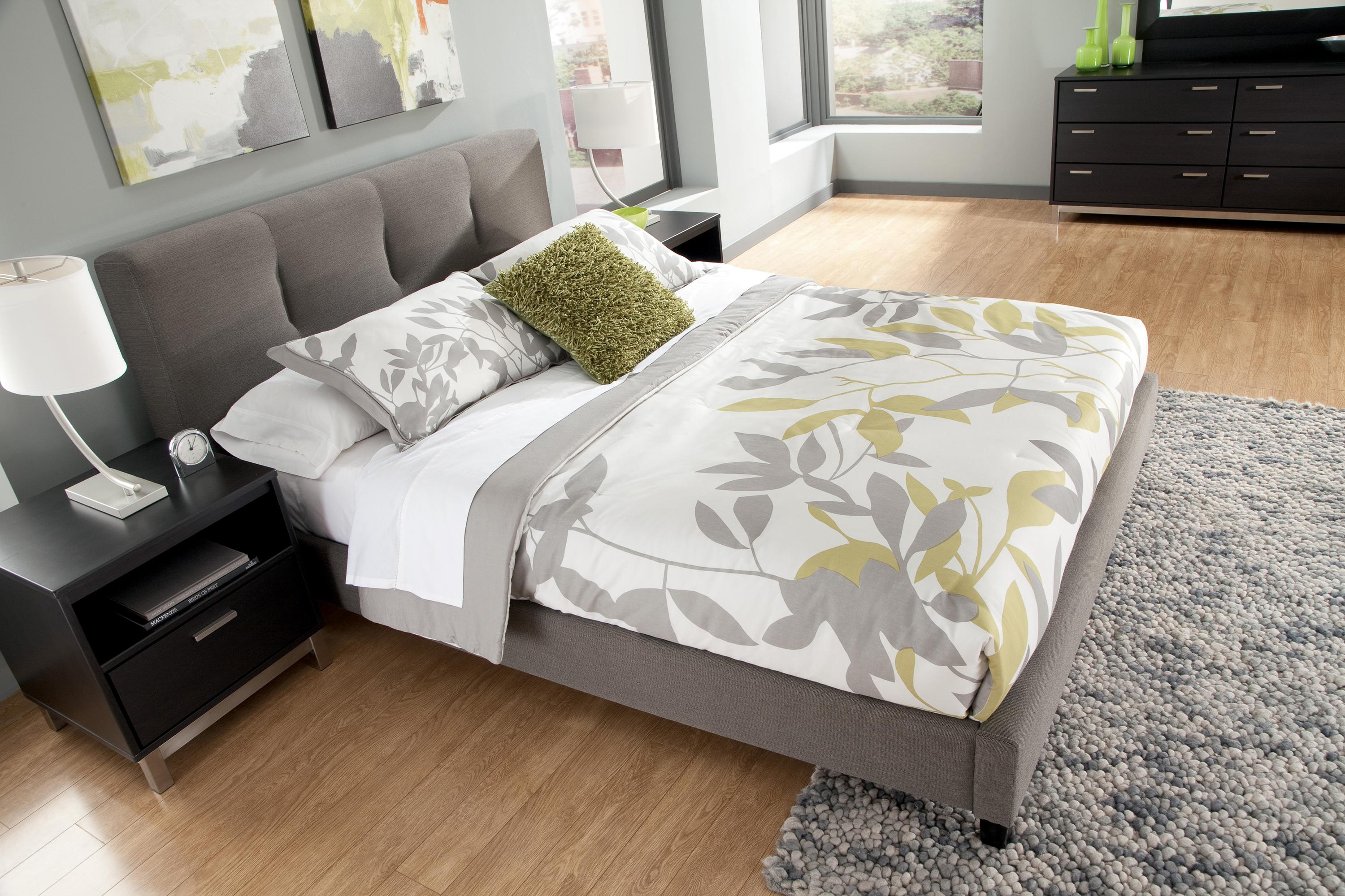 King Upholstered Platform Bed With Channel Tufted