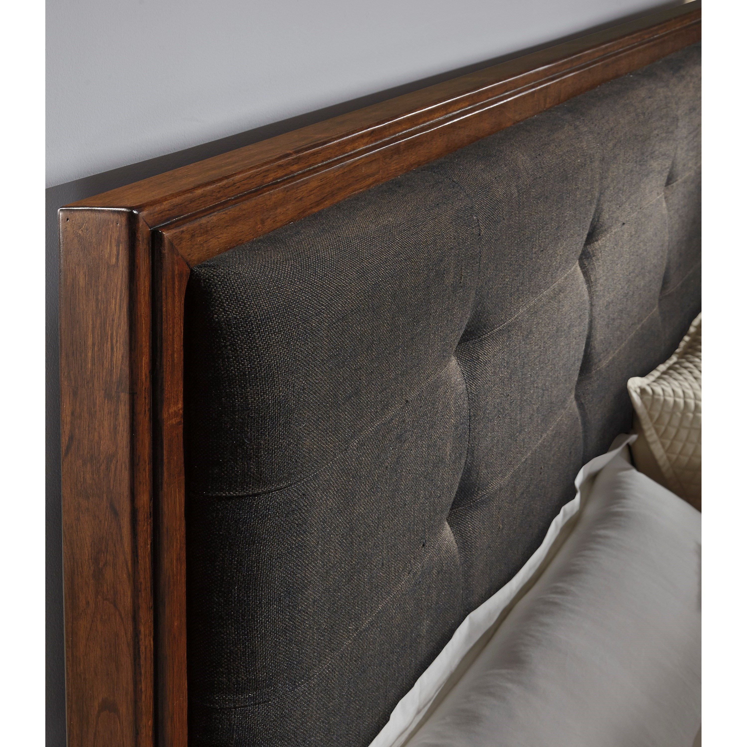 Queen Upholstered Bed With Bench Storage Footboard By
