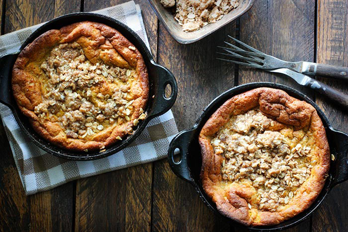Pumpkin pie dutch babies with a cinnamon streusel topping via SoupAddict.com