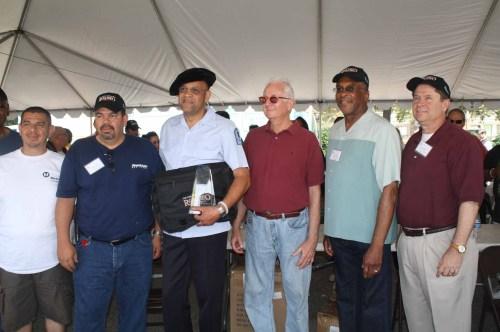 Mark Holland (centro) acompañado de Héctor Guerrero, Román Alarcón, Patl Taylor, Lonnie Mitchel y John Roberts. (Foto Agstín Durán/El Pasajero)